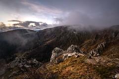 Matin brumeux au Hohneck (Manonlemagnion) Tags: nature paysage france vosges crête hohneck roche brume matin leverdusoleil sunrise nikond810 1635mmf4