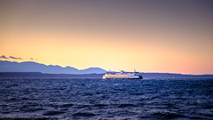 Alki Beach, West Seattle (Paddy O) Tags: alkibeach seattle sunset mountains fall ferry clouds olympicpeninsula westseattle pacificnorthwest spaceneedle pugetsound elliottbay goldenhour olympicmountains 2019