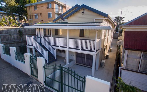 19 Paris St, West End QLD 4810