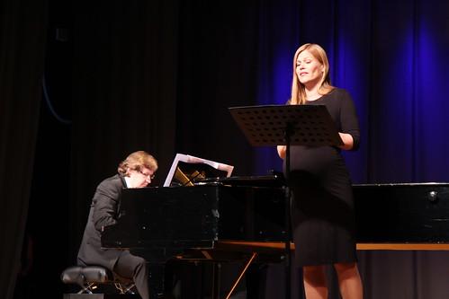 Kädy Plaas (vokaal) ja Martti Raide (klaver) Antsla kultuurimajas