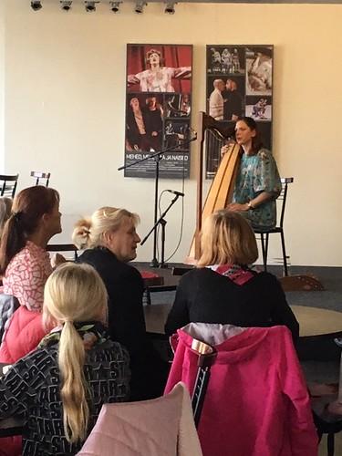 Kaisa Nõges (harf) Endla teatrikohvikus