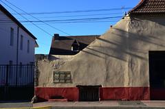 (Jean-Luc Léopoldi) Tags: mur filsélectriques soleil ombres texture rue