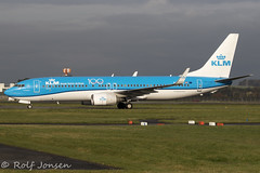 PH-HSE Boeing 737-800 KLM Glasgow airport EGPF 18.10-19 (rjonsen) Tags: plane airplane aircraft aviation airliner taxying airside blue