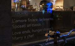 Marry a chef. (Alfredo Liverani) Tags: 2992019 project365299 project365102619 project36526oct19 oneaday photoaday pictureaday project365 project project2019 2019pad canong5x canon g5x pointandshoot point shoot ps flickrdigital flickr digital camera cameras fantasticmonday fantastic monday fm 7dwffm
