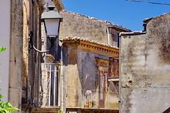 1082 Sicile Juillet 2019 - Palazzolo Acreide, les balcons (paspog) Tags: palazzoloacreide sicile sicily sicilia juli july juillet 2019