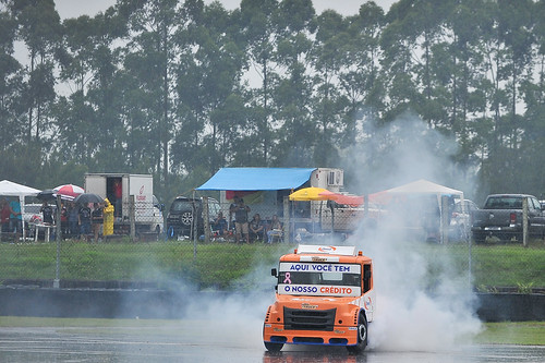 27/10/19 - Nem a chuva atrapalhou a festa da Copa Truck no Velopark - Fotos: Duda Bairros