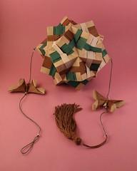 Móbile com kusudama – Tomoko Fuse (pjoffily) Tags: origami kusudama mobile móbile floral floralglobe