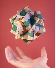 kusudama flutuando (pjoffily) Tags: origami kusudama mobile móbile floral globe floralglobe floating