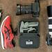 Equipment eines Fotografen mit Spiegelreflexkameras, DJI Osmo Mobile 3, sowie den bequemen ASICS GlideRide