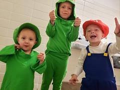 Rabbid Luigi, Yoshi, Mario (quinn.anya) Tags: eliza toddler rabbidluigi mariorabbidskingdombattle halloween costume rabbidyoshi sam kindergartener