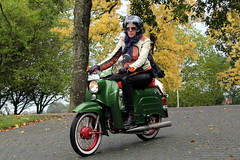 The Moped Autumn Ride: Simson Schwalbe (Davydutchy) Tags: brommer bromfiets rijwiel met hulpmotor moped vélomoteur knallert xemáy мопед bike motorcycle bicycle мотопед 助力车 助力車 herfst autumn rit toertocht tocht ride ausfahrt rondrit tour harich gaasterland fryslân friesland frisia frise nederland netherlands niederlande paysbas holland solexverhuur tweewieler helm helmet casque simson schwalbe ddr gdr socialism communism eastern germany october 2019