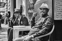 Männer (rainerneumann831) Tags: bw blackandwhite street strase streetphotography candid strasenfotografie monochrome urban ©rainerneumann riodejaneiro mann