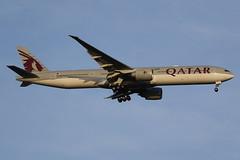 A7-BEO Qatar Airways Boeing 777-3DZ(ER) (johnedmond) Tags: perth ypph westernaustralia per doha qatar boeing b777 77w aviation australia aircraft aeroplane airplane airliner plane sky goldenhourlight ef100400mmf4556lisiiusm eos7d canon