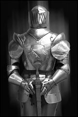 Armure (Snoopy-41) Tags: armure chevalier métal épée médiéval moyenage protection nikond7200