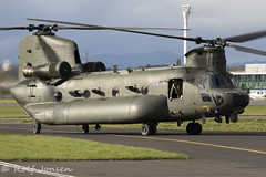 ZH902 Royal Air Force Boeing MH-47E Chinook Glasgow airport EGPF 17.10-19 (rjonsen) Tags: helicopter military aviation taxying airside joint warrior green