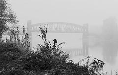 An der Grenze zum Nirgendwo (chipdetty) Tags: magdeburg landeshauptstadt brücke bridge hubbrücke liftbridge nebel fog foggy mist herbst analog elbe wasser bw bnw schleswigholstein schwarzweis blackandwhite monochrom