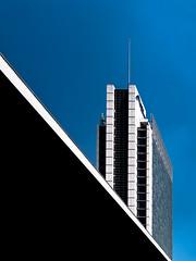 Prospettive (gibelgraphics) Tags: milano architetture diagonali nero v bianco blu grattacieli
