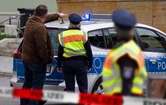 Polizei in Einsatz (Christoph Scholz) Tags: polizei demo demokratie demonstration kriminalität rechte umwelt klimawandel klimaschutz klimaerwärmung klimaänderung klimaschwankung fridays for future klima weimar