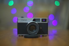 Canonette (hasham2) Tags: konicahexanon57mmf14 vintage glass konica sony canon rangefinder gearshot canonette fairylights bokeh dof a7rii hip old highlights color