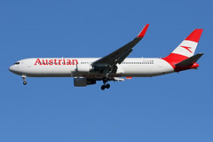 B767-3.OE-LAE-9 (Airliners) Tags: austrian austrianairline 767 b767 b7673 b767300 boeing boeing767 boeing767300 boeing7673z9 iad oelae 102719