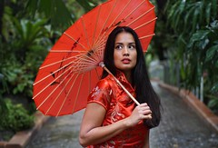 Esmerald garden (e³°°°) Tags: asian shoot esmeralda botanicalgarden meise tropical garden lady mademoiselle woman fotoshoot meisje femme model portrait portraiture portret posing pose forest retratos ritratti path tropisch regenwoud rainforest stunning stunner