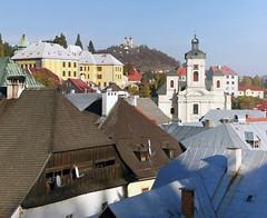 Town Centre of Banská Štiavnica with view of the Calvary in the background (sandorson) Tags: slovakia felvidék banskáštiavnica selmecbánya schemnitz calvary church stmary´sassumptionchurch kálvária roof nagyboldogasszonyplébániatemplom