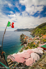 Vernazza (Ivo.Berta) Tags: italy italia europe cinque terre view water sea blue sky cloud clouds amazing beautiful nice photo photography canon travel traveling