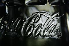 Cola (Elisabeth patchwork) Tags: cocacola salzstreuer text plasticbottle sigma sigmasdquattro sigma105mm brand logo