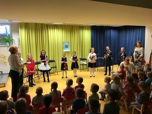 Tallinna Muusikakeskkooli noored muusikud Tallinna lasteaedades
