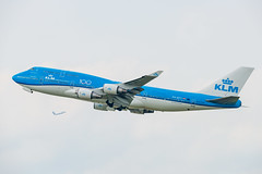 PH-BFY KLM Royal Dutch Airlines Boeing 747-406(M) (Lin.y.c) Tags: phbfy klm royal dutch airlines boeing 747406m royaldutchairlines 747 744 747400 747400combi 744combi combi aviation airplane ord kord chicago 2019 201907 20190726 100 anniversary