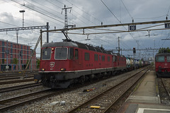 Thun SBB Re 6/6 + Re 4/4 (Nature-Train-Photo.com) Tags: schweiz swiss switzerland sony sbb re 66 44 cargo alpha 7s a7s 420 620 re44 re66