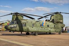 Boeing CH-47D Chinook - 03 (NickJ 1972) Tags: royalinternationalairtattoo riat raf fairford airshow 2019 aviation boeing ch47 chinook d661 redoctober