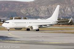 LN-NDG Boeing 737-800 Norwegian Ålesund airport Vigra 14.10-19 (rjonsen) Tags: plane airplane aircraft aviation airliner airside taxying albino white