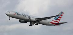 B767   N350AN   AMS   20191027 (Wally.H) Tags: boeing 767 boeing767 b767 n350an americanairlines ams eham amsterdam schiphol airport