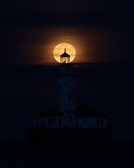 Full Moon behind the Chicago Harbor lighthouse (Kenny C Photography) Tags: chicago downtownchicago windycity moon fullmoon silhouette lakemichigan lakefront lake astrophotography astronomy architecture chitecture chicagoarchitecture chicagobythelake illinois 2019 enjoyillinois midwest greatlakes lighthouse chicagoharborlighthouse harborlighthouse