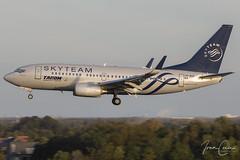 Boeing 737-78J – Tarom – YR-BGF – Brussels Airport (BRU EBBR) – 2019 10 26 – Landing RWY 25L – 01 – Copyright © 2019 Ivan Coninx (Ivan Coninx Photography) Tags: ivanconinx ivanconinxphotography photography aviationphotography boeing boeing737 boeing737700 boeing73778j 737 b737 737700 73778j tarom yrbgf brusselsairport bru ebbr r0371 skyteam