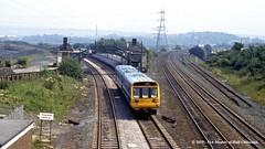 15/07/1987 - Ravensthorpe, Dewsbury, West Yorkshire. (53A Models) Tags: britishrail class142 pacer 142087 dmu diesel passenger ravensthorpe dewsbury westyorkshire train railway locomotive railroad