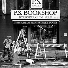 Street under renovation (hervedulongcourty) Tags: photo usa canoneos5dmarkii canoneos street reflection streetphotography cityscape canon planar5014ze nb citylife publicité manualfocus bookshop unitedstates bw carlzeiss blackandwhite nyc photography city zeiss advertisement work librairie carlzeisslenses zeissplanart1450ze brooklyn