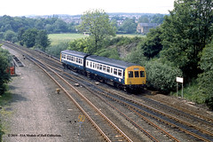 10/06/1987 - Heaton Lodge (South Junction), Mirfield, West Yorkshire. (53A Models) Tags: britishrail metropolitancammell class101 dmu diesel passenger heatonlodge southjunction mirfield westyorkshire train railway locomotive railroad