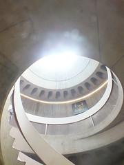 DSCF2781 (Benoit Vellieux) Tags: france lyon 5èmearrondissement 5thdistrict loyasse fourvière muséelugdunum lugdunummuseum bernardzehrfuss architecture escalier stairs stairway treppe puitsdelumière skylight lightshaft