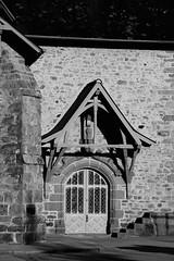 Mairie en pays gallo (.urbanman.) Tags: mairie valdizé bretagne bw monochrome porte entrée auvent pierre ardoise arc gallo granit