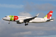 CS-TNS A320-214 TAP Air Portugal (eigjb) Tags: dublin airport eidw ireland collinstown international airbus a320 jet transport airliner plane spotting aviation aircraft airplane aeroplane cstns a320214 tap air portugal lisbon tp1322