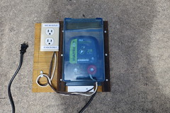20190728_1351_107_Electrified-Bird-Feeder (EasyAim) Tags: fence squirrel birdfeeder proof electrical electrified colleyville