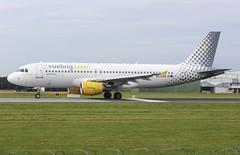 Vueling Airbus A320-214 EC-LAB (josh83680) Tags: manchesterairport manchester airport man egcc eclab airbus airbusa320214 a320214 airbusa320200 a320200 vueling vue ling