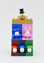 The Duck Family (Alex THELEGOFAN) Tags: legography lego moc duck egg green red blue pink gold