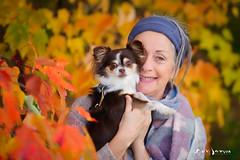 Lucille et Jacinthe en automne (guysamsonphoto) Tags: guysamson portrait autumn automne fall foliage trees arbres bokeh profondeurdechamp couleurs colors dof dog chien chihuahua
