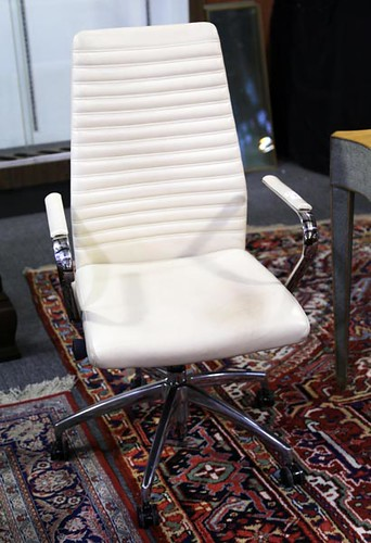 Hancock & Moore White Swivel Office Chair ($257.60)