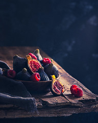 Figs Still Life (Ro Cafe) Tags: stilllife fruits food kitchen table tabletop wood figs berries raspberries naturallight dark darkmood rustic textured nikkor105mmf28 sonya7iii