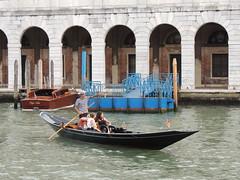 DSCN0241 (bentchristensen14) Tags: italia italy veneto venezia venice ramodragan canal canalgrande gondola gondolier