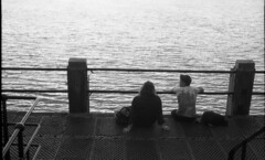 Calm Sea (4foot2) Tags: seafront seaside sea seawater water pier people peoplewatching interestingpeople calm asahipentax asahi asahipentaxspotmaticsp sp spotmatic pentax supertakumar takumar supertakumar11855 supertakuma55mmf18 2484 kodak2484 kodakhc110 hc110 kodak oldfilm outofdatefilm expiredfilm experimental analogue film filmphotography 2019 fourfoottwo 4foot2 4foot2flickr 4foot2photostream